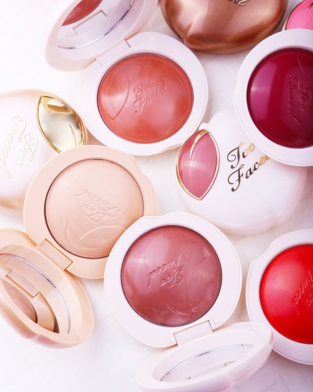 Sephora Canada HOT Canadian Deal Sale Too Faced Cosmetics Peaches and Cream Collection Blush Highlighter Bronzer More than Half Off Discount - Glossense